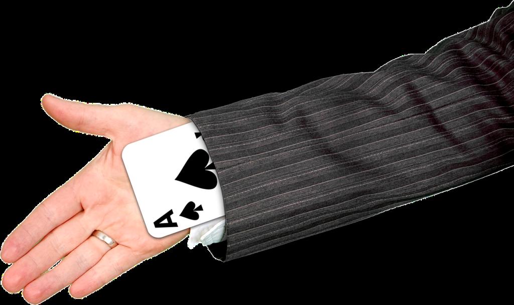איש מוציא קלף משרוול